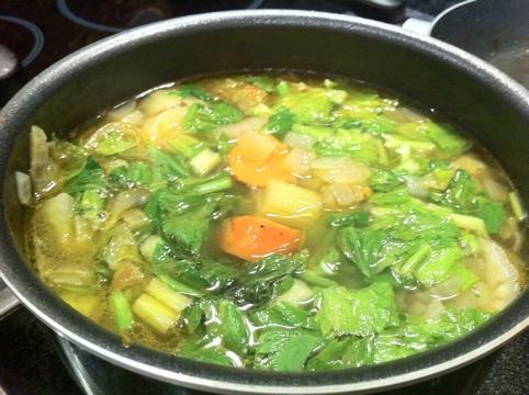 Суп с листовым сельдереем