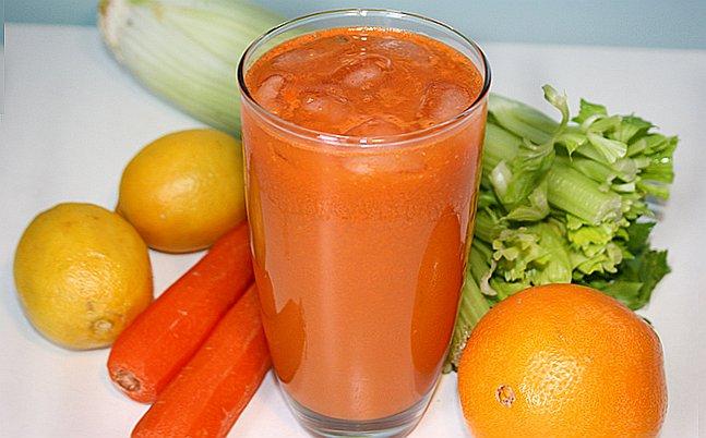 Смузи из сельдерея апельсина моркови и имбиря