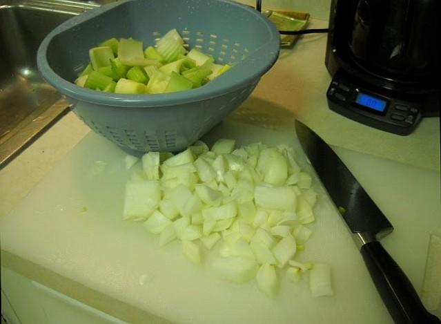 Готовим суп из сельдерея для похудения
